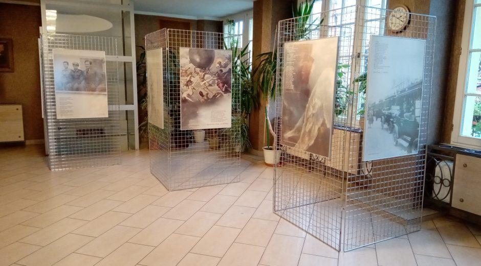 Wystawa Wolność i poezja we foyer ŚOK